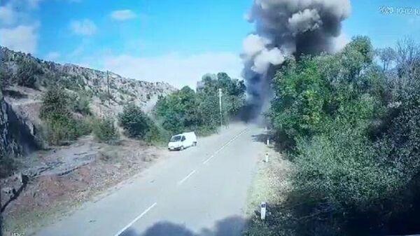 Кадры взрыва моста, соединяющего Армению и Карабах