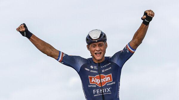 Нидерландский велогонщик Матье ван дер Пул
