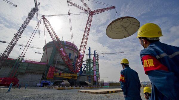 Рабочие на АЭС Чанцзян