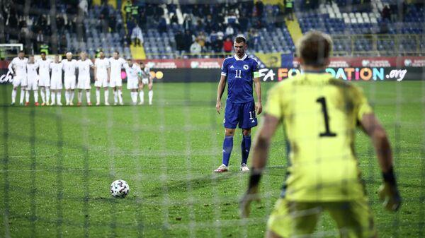 Нападающий сборной Боснии и Герцеговины Эдин Джеко