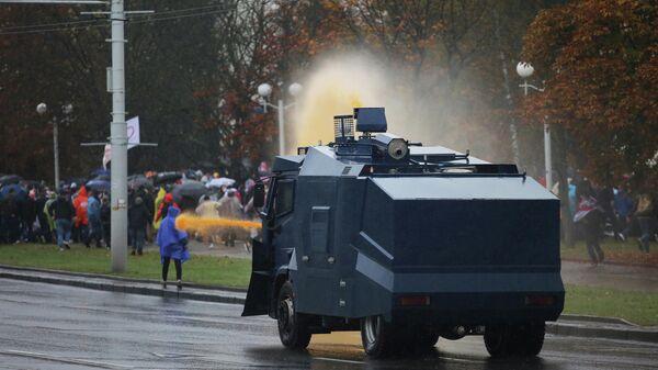 Водомет на акции оппозиции в Минске