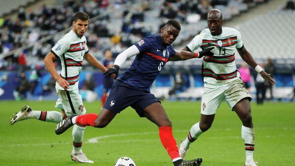 Игровой момент матча Франция - Португалия