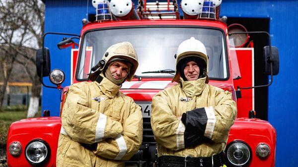 Участники добровольной дружины пожарных в Приморье