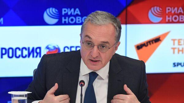Министр иностранных дел Армении Зограб Мнацаканян во время онлайн-конференции в Международном мультимедийном пресс-центре МИА Россия сегодня