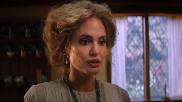 Скриншот трейлер фильма Питер Пэн и Алиса в стране чудес