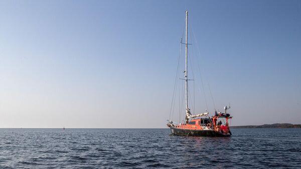 Экспедиционная яхта Петр Первый на Соловках