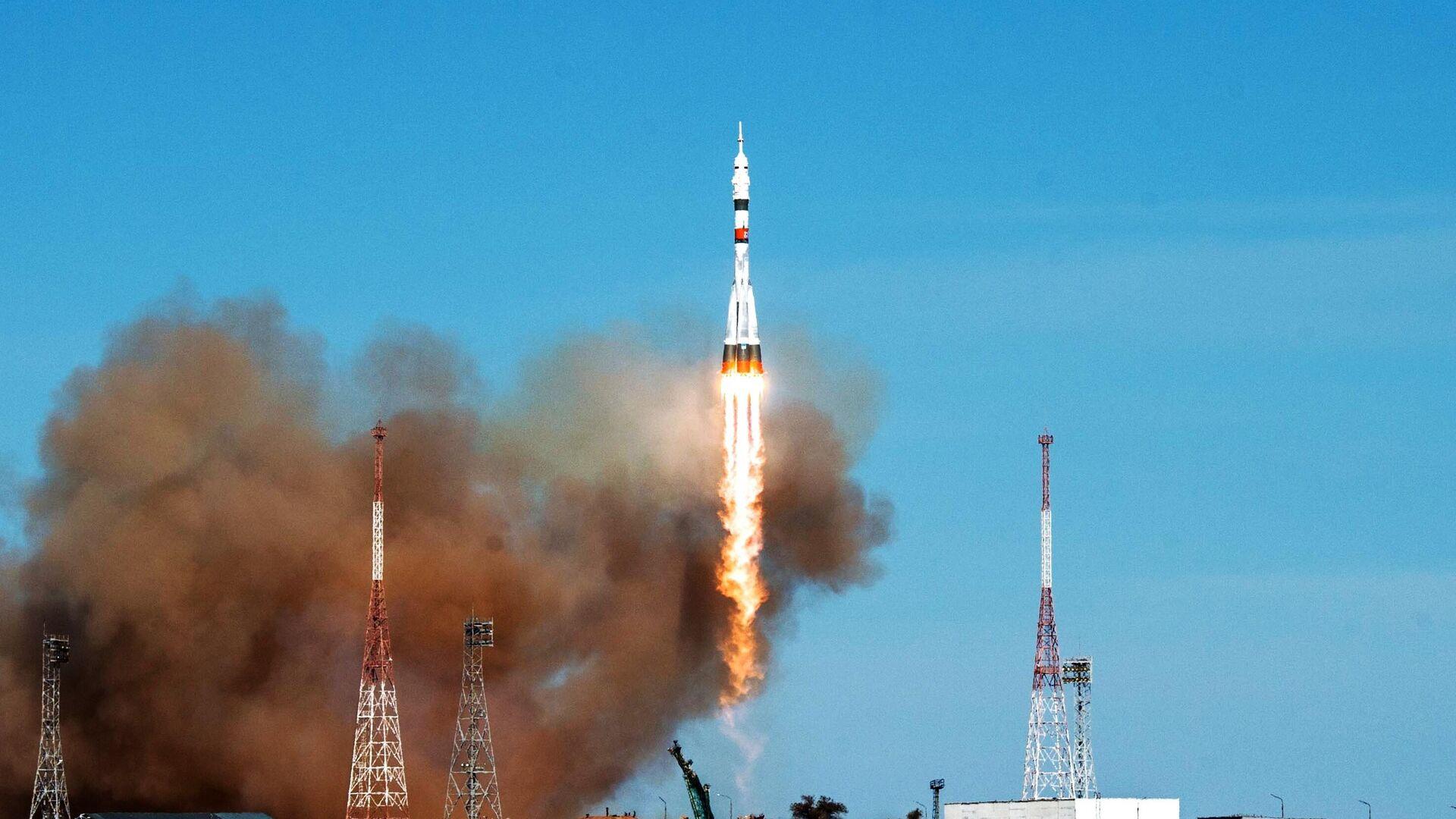 Запуск РН Союз-2-1а с кораблем Союз МС-17 с космодрома Байконур  - РИА Новости, 1920, 14.10.2020