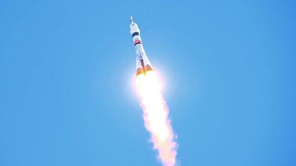 Запуск ракеты-носителя Союз-2-1а с кораблем Союз МС-17 с космодрома Байконур
