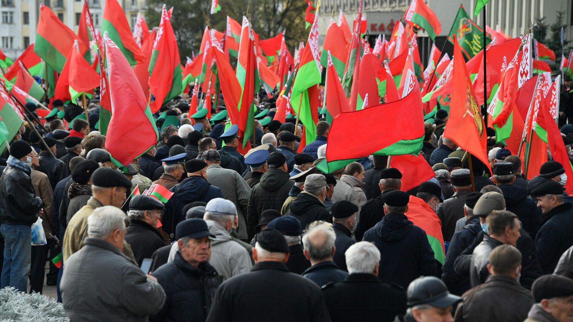 Митинг сторонников президента Белоруссии Александра Лукашенко в Минске - РИА Новости, 1920, 22.12.2020