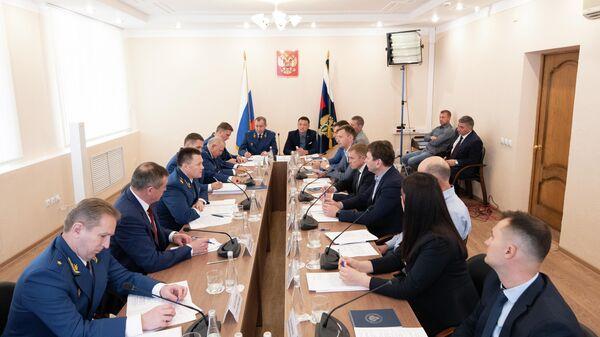 Встреча с представителями бизнеса в Южно-Сахалинске