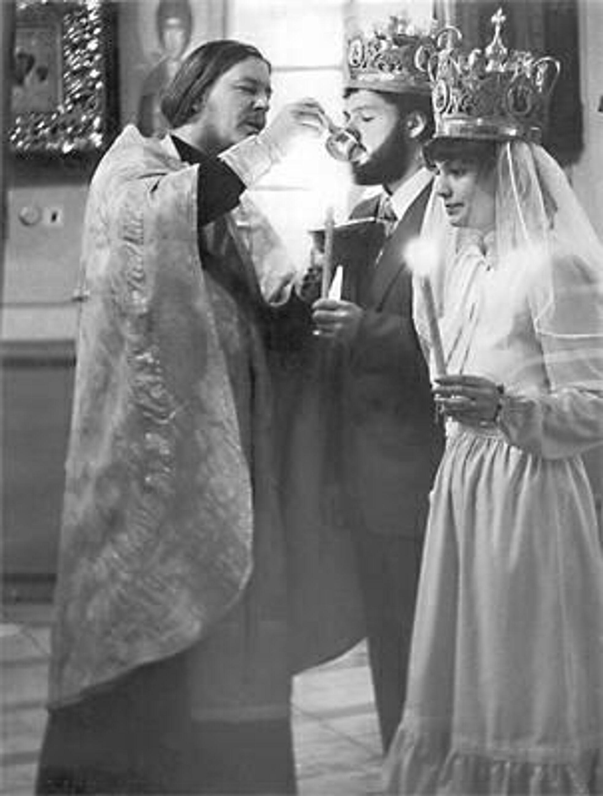 Протоиерей Димитрий Смирнов во время церемонии венчания - РИА Новости, 1920, 21.10.2020