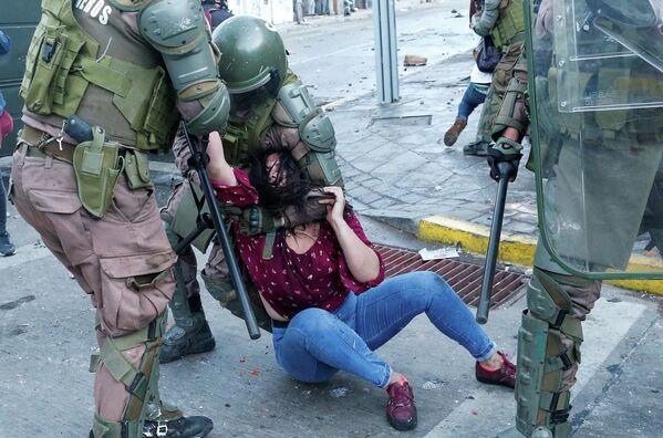 Демонстрации против правительства Чили в Вальпараисо