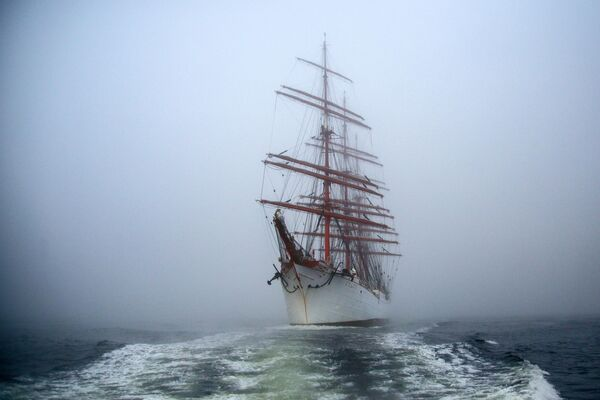 Экспедиция учебного парусного судна Седов по маршруту Северного пути