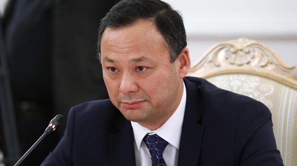 Министр иностранных дел Киргизии Руслан Казакбаев во время встречи в Москве с министром иностранных дел РФ Сергеем Лавровым