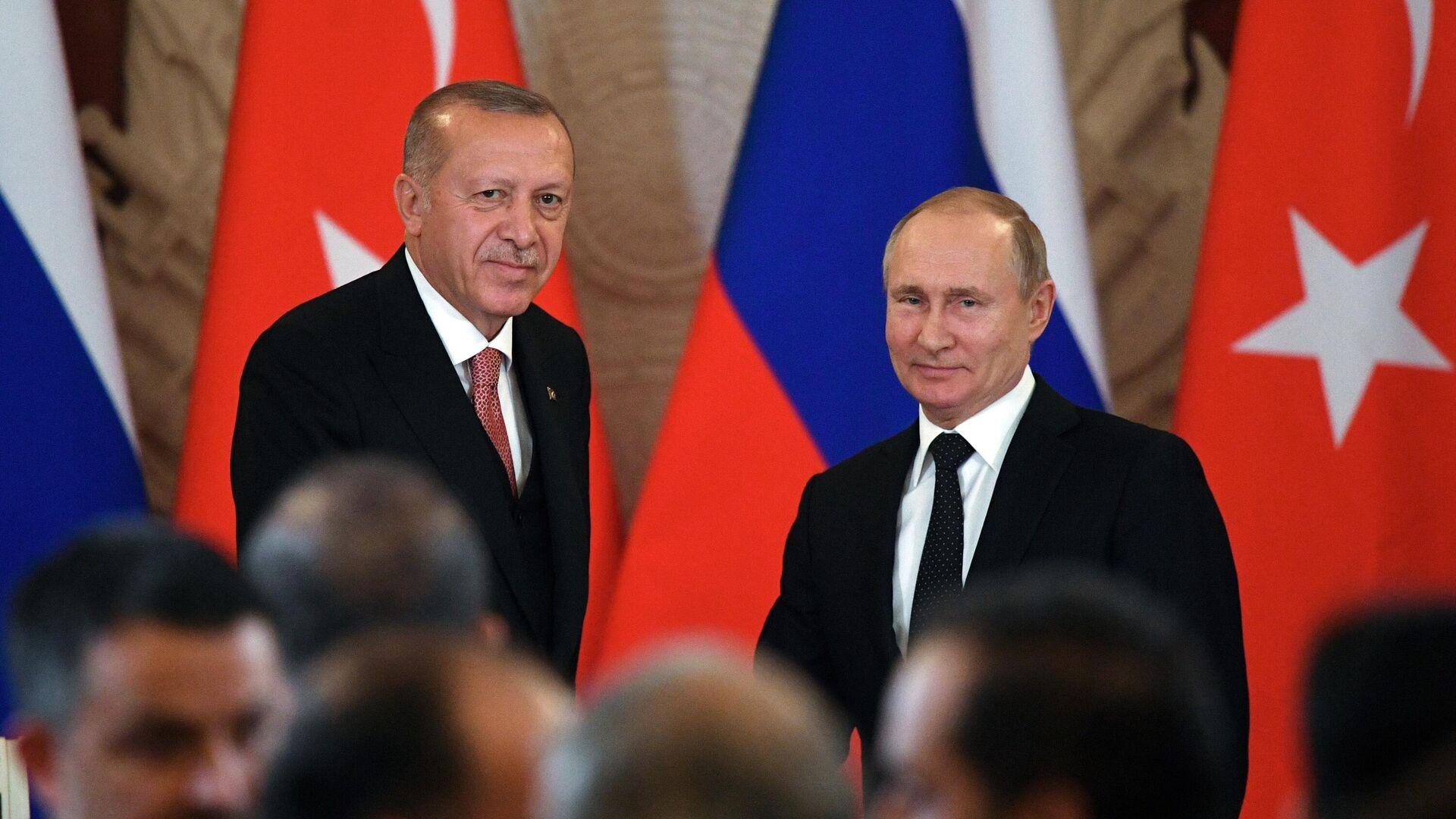 Президент РФ Владимир Путин и президент Турции Реджеп Тайип Эрдоган после пресс-конференции по итогам российско-турецких переговоров. 8 апреля 2019 - РИА Новости, 1920, 21.09.2021