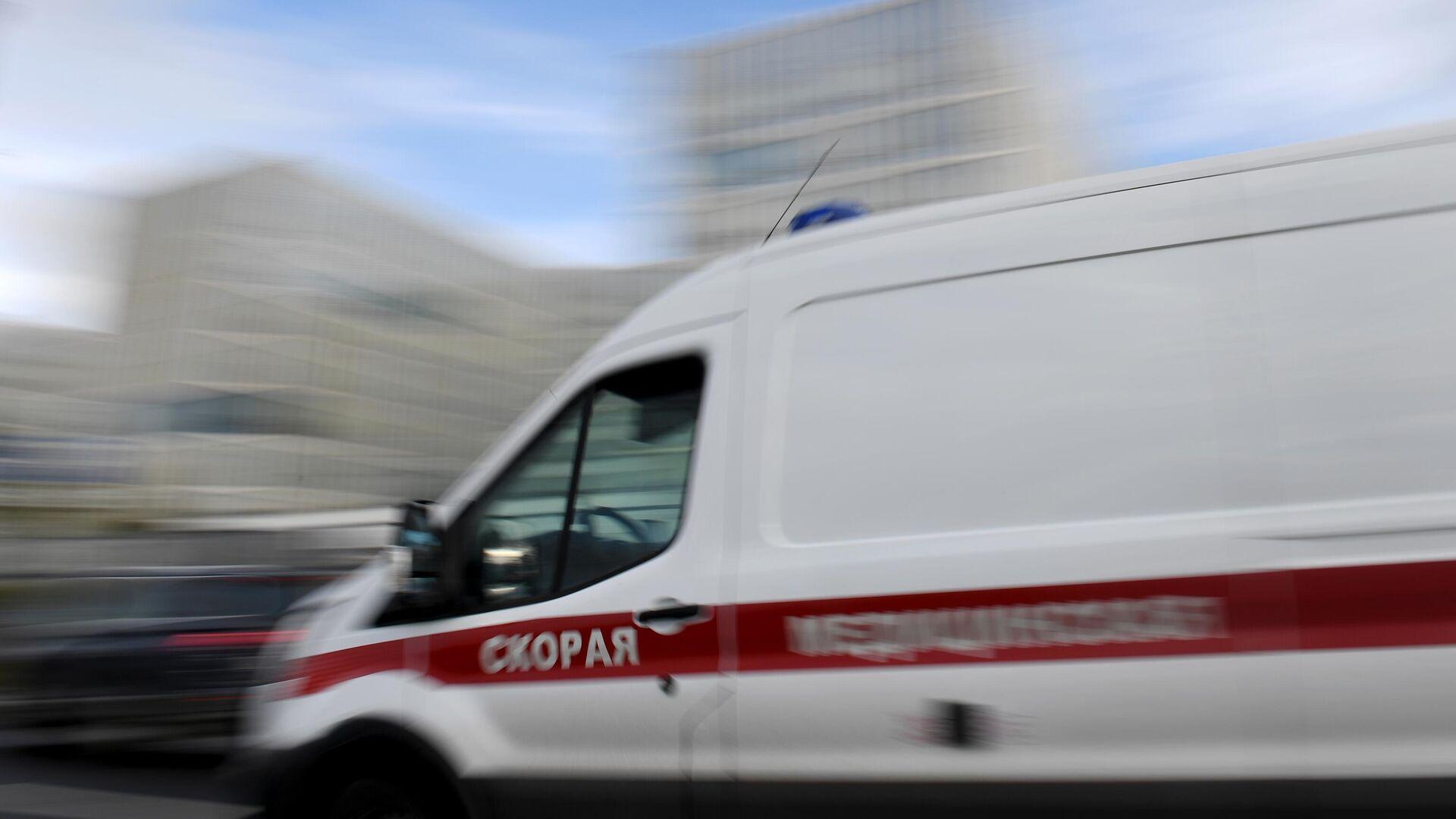 Машина скорой медицинской помощи возле карантинного центра в Коммунарке - РИА Новости, 1920, 27.01.2021