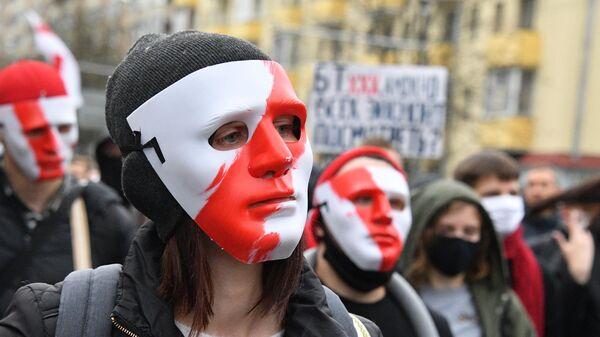 Участники акции протеста оппозиции Народный ультиматум в Минске