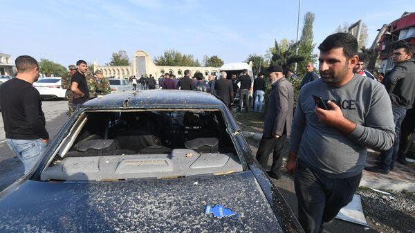 Последствия обстрела в азербайджанском городе Барда