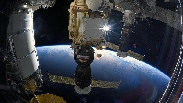 Корабль Союз МС пристыкованный к МКС