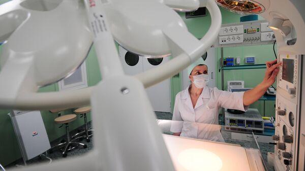 Медицинский работник . Архивное фото