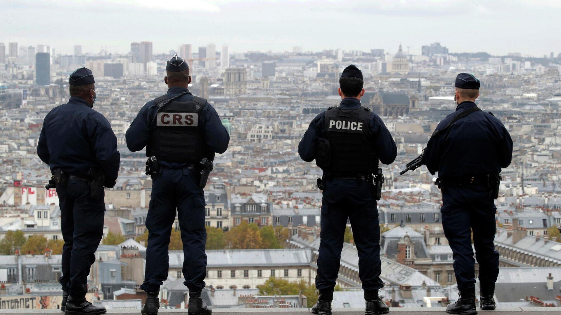Сотрудники полиции и спецслужб Франции в Париже - РИА Новости, 1920, 18.11.2020