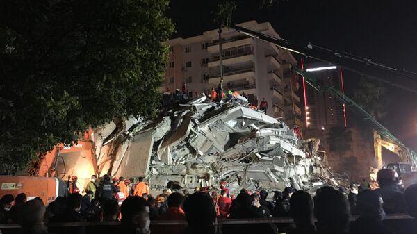 Последствия землетрясения в Измире