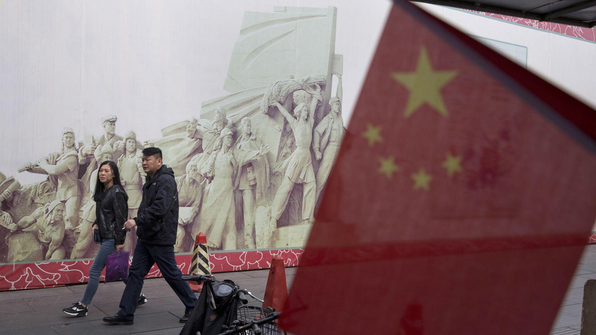 Покупатели в торговом центре в Пекине, КНР - РИА Новости, 1920, 06.02.2021