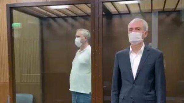 Экс-генеральный директор холдинга ТНС энерго Дмитрий Аржанов, подозреваемый в особо крупном мошенничестве, на заседании в Тверском суде