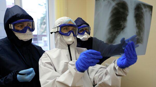 Медицинские работники ковид-госпиталя в Белгородской области
