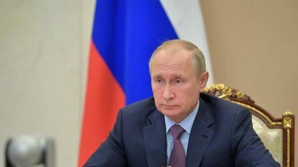 LIVE: Путин принимает участие в мероприятиях по случаю Дня народного единства