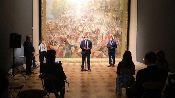В Нижнем Новгороде открыли обновленный зал с картиной Воззвание Минина