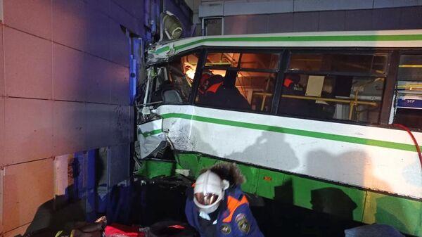 ДТП с участием рейсового автобуса в Великом Новгороде