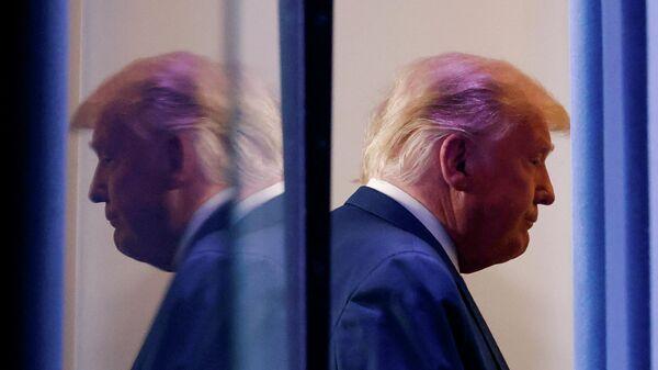Президент США Дональд Трамп после выступления в Белом доме в Вашингтоне