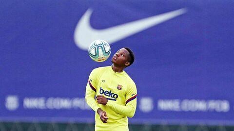 Футболист Барселоны Ансу Фати.