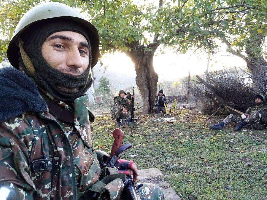 Вооруженные люди в Степанакерте