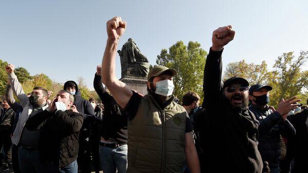 Участники митинга на площади Свободы в Ереване