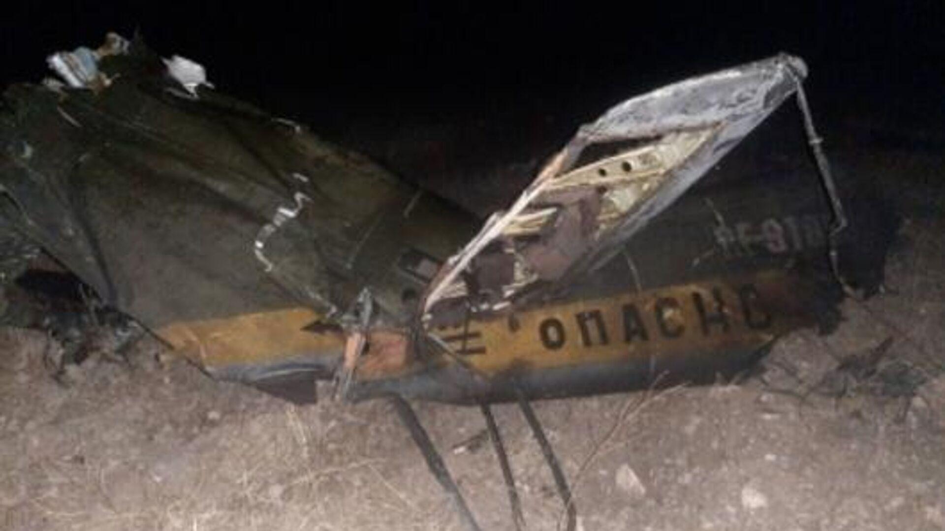 Обломки российского вертолета Ми-24, сбитого в воздушном пространстве над территорией Армении вне зоны боевых действий - РИА Новости, 1920, 12.11.2020