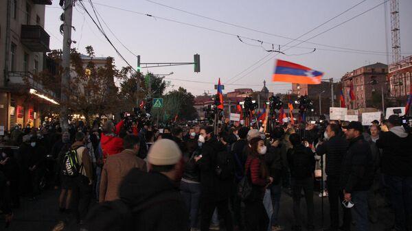 Антиправительственные митинги в Ереване