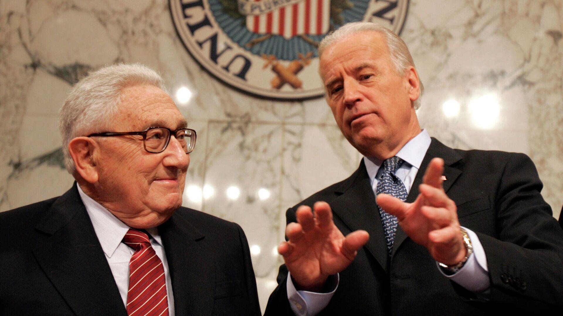Джо Байден и Генри Киссинджер в Вашингтоне. 2007 год - РИА Новости, 1920, 14.11.2020