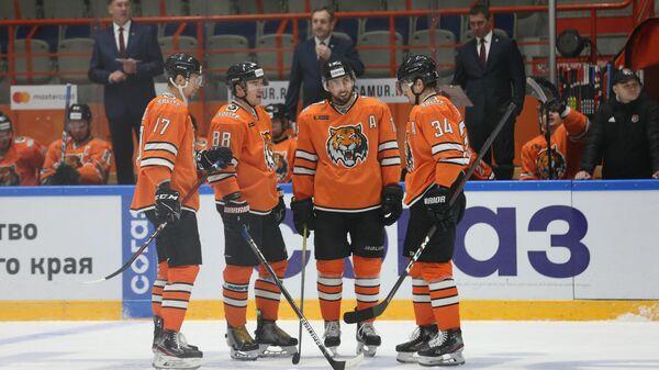 Хоккеисты Амура в матче КХЛ