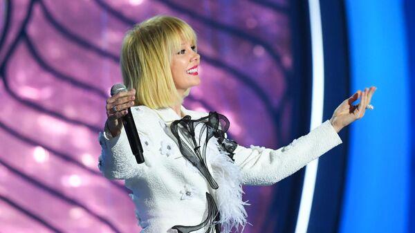 Певица Валерия выступает на традиционном праздничном шоу Валентина Юдашкина к Международному женскому дню в Кремле