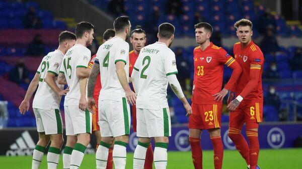 Футболисты сборных Ирландии и Уэльса