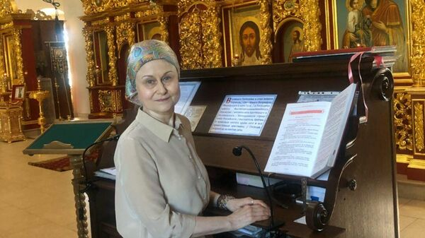 Дарья Донцова в храме
