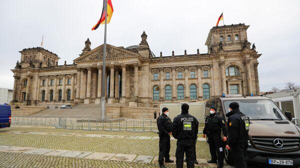 Полиция у здания бундестага в Берлине