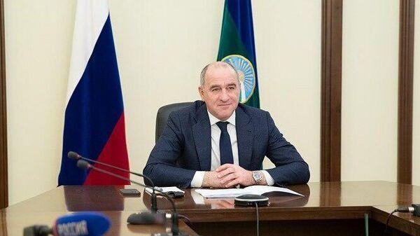 Глава Карачаево-Черкесии Рашид Темрезов во время встречи в режиме видеоконференции с председателем Правления ПАО Газпром Алексей Миллер