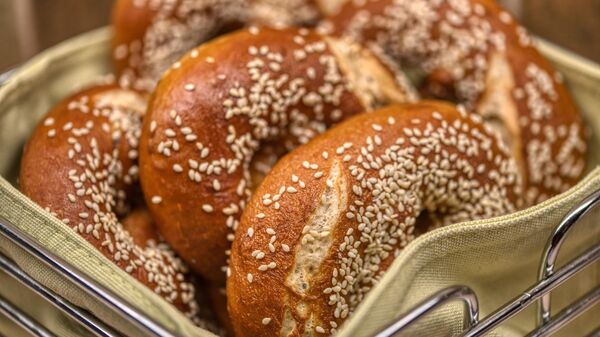Хлебобулочные изделия с кунжутом