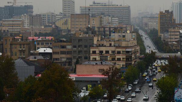 Вид на Тегеран в первый день введения ограничительных мер в связи с распространением коронавируса