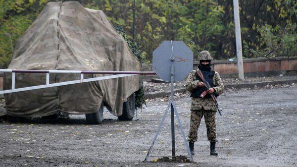 Блокпост азербайджанских вооруженных сил на въезде в город Шуша