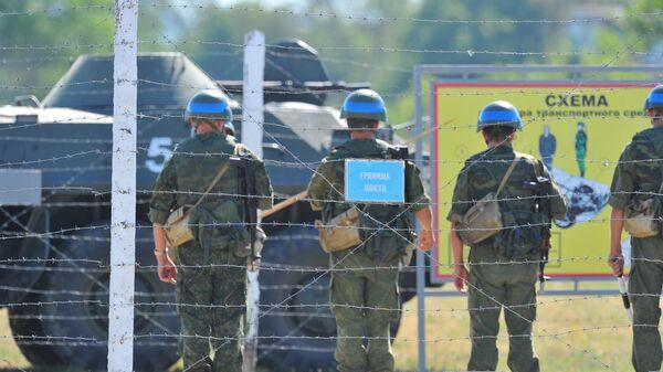Военнослужащие принимают участие в учениях Оперативной группы российских войск в Приднестровском регионе Республики Молдавия