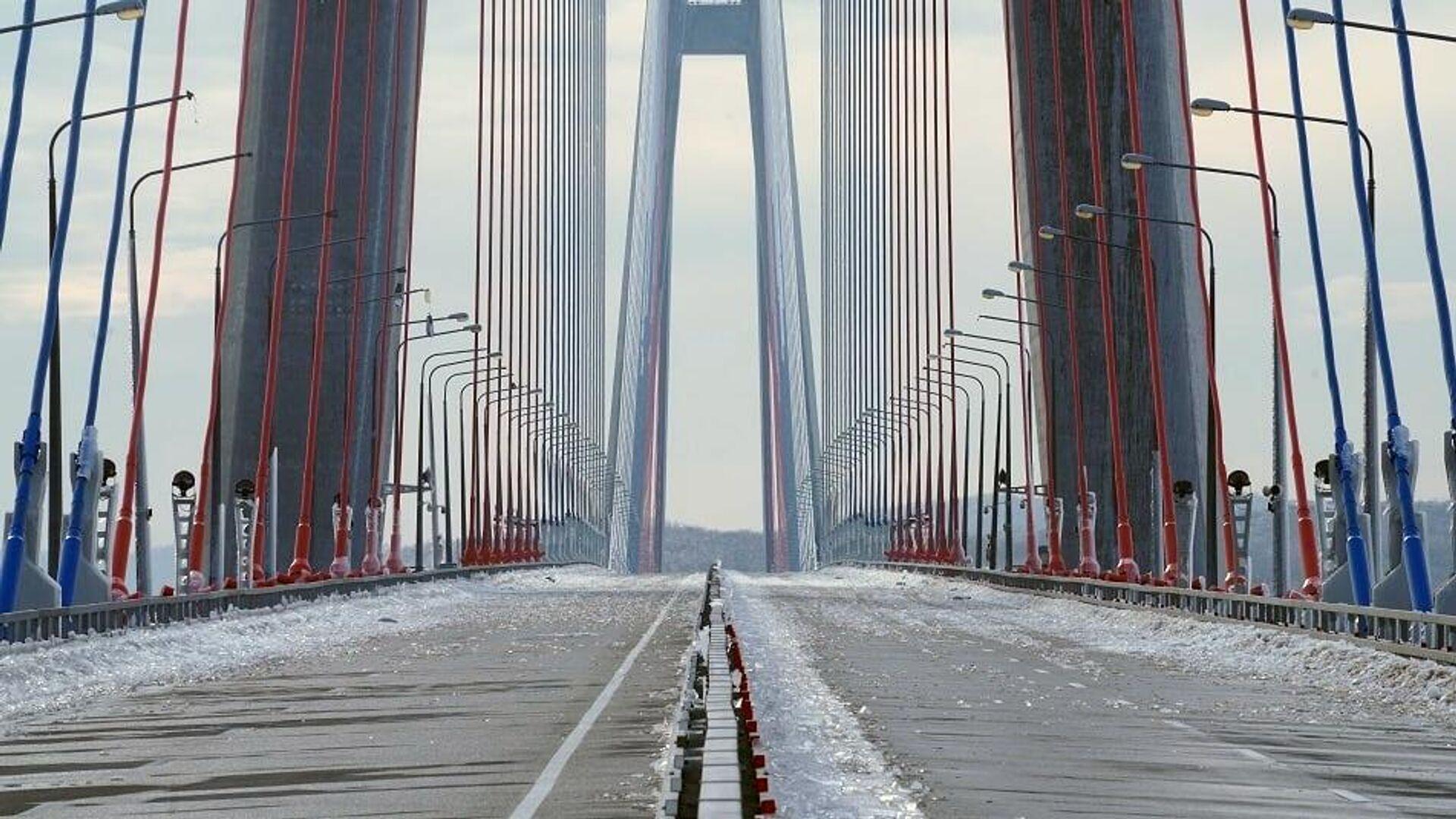 Осколки наледи на мосту на остров Русский во Владивостоке - РИА Новости, 1920, 01.12.2020